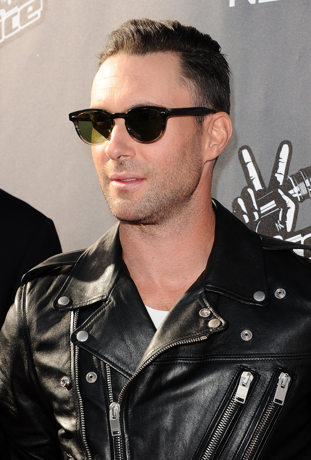 Adam levine new haircut 2014