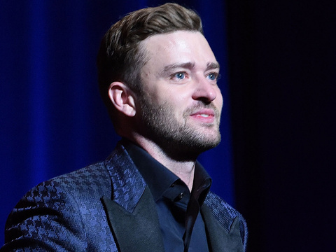 "Justin Timberlake Gets Emotional Over ""Rock"" Jessica Biel at 2015 Hall of Fame Induction"