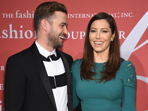 Justin Timberlake Can't Take His Eyes Off Wife Jessica Biel -- And We Can See Why!