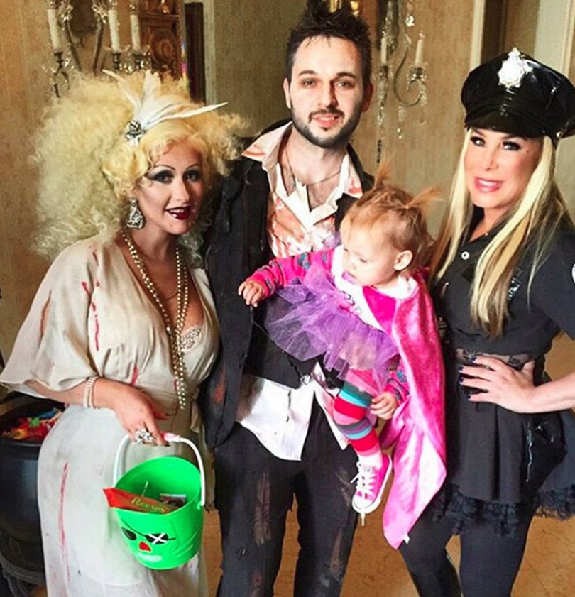 See Adorable Pic of Christina Aguilera & Summer Rain Trick-or-Treating at Adrienne Maloof's Home!
