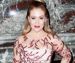 "Alyssa Milano Shows Off Post-Baby Bod in Swimsuit Pic, Says She's ""Sucking It…"