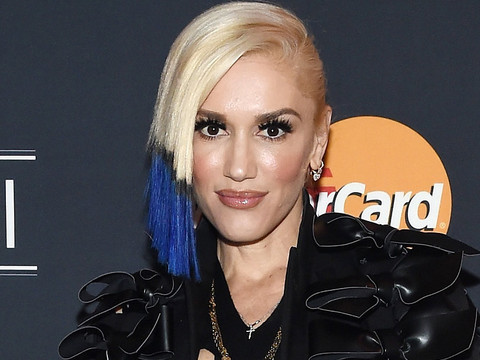 Gwen Stefani & Blake Shelton K-I-S-S-I-N-G -- See Major ...  Gwen Stefani