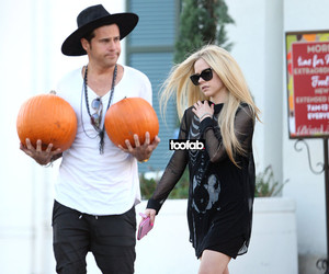 Wait, What?! Avril Lavigne and Ryan Cabrera Are Living Together