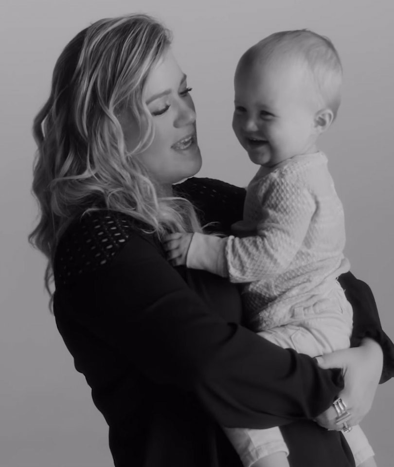"Kelly Clarkson's Daughter River Rose Makes Music Video Debut In ""Piece By Piece"""