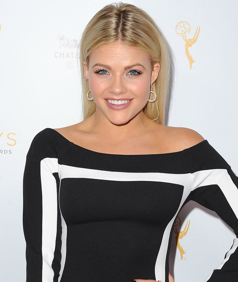 "Witney Carson Dishes on ""DWTS"" Finale, Cast Injuries & Her Upcoming Wedding!"