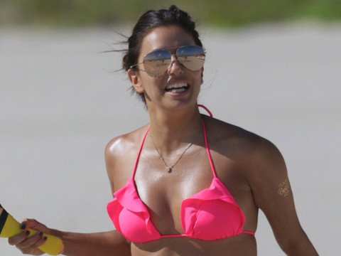 Eva Longoria Looks Smokin' Hot in Her Pink Bikini -- See More Celebrity Beach Bods