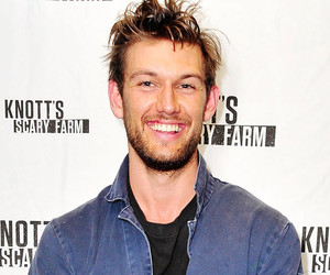 "Alex Pettyfer Reflects On Relationship With Channing Tatum: He ""Does Not Like…"