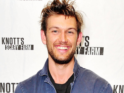 "Alex Pettyfer Reflects On Relationship With Channing Tatum: He ""Does Not Like Me"""