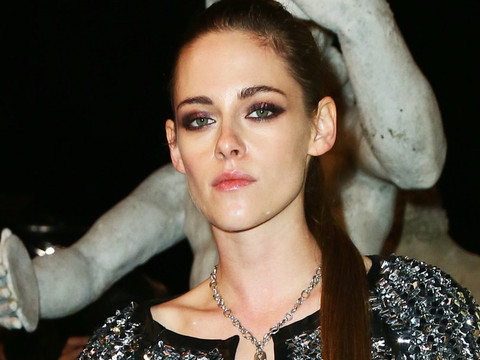 Kristen Stewart Rocks Long Hair and Sparkles at Chanel's Métiers d'Art Show