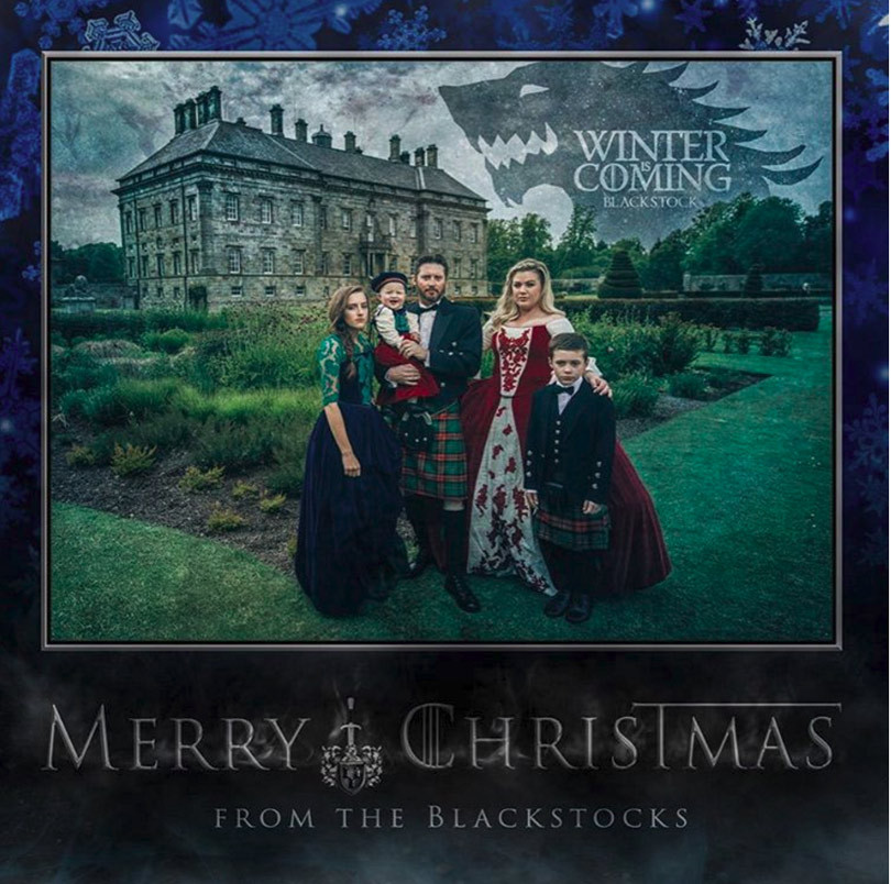 "Kelly Clarkson Shares Her Family's Amazing ""Game of Thrones"" Christmas Card!"