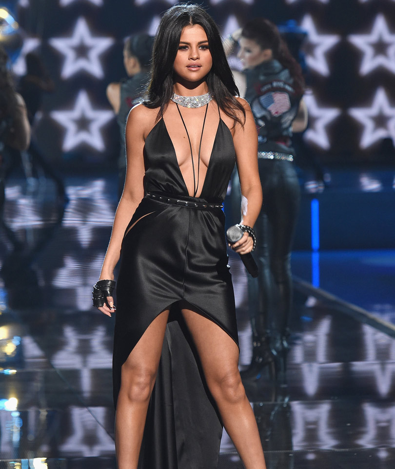 "Selena Gomez Slams Rumors She Lip-Synced VS Fashion Show: ""I F**ing Sing Live!"""