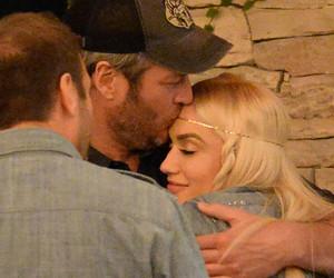 Gwen Stefani & Blake Shelton K-I-S-S-I-N-G -- See Major Date Night PDA!