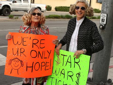 "Carrie Fisher & Ellen DeGeneres Hilariously Surprise ""Star Wars"" Fans"