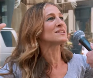 "Sarah Jessica Parker Plays ""Sex App or Santa's Reindeer?"" In New ""Billy On The…"