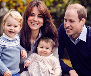 Prince William & Kate Middleton Pose With Adorable Prince George and…