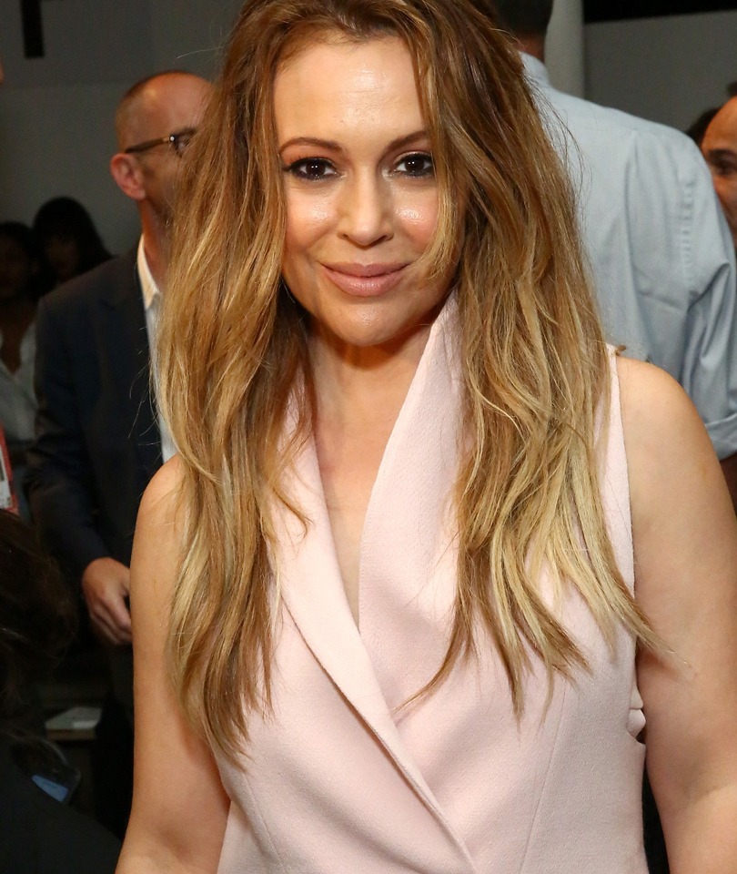Alyssa Milano Chopped Off Her Hair -- Check Out Her Adorable Pixie Cut!