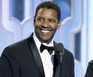 Denzel Washington Accepts Cecil B. Demille Award At 2016 Golden Globes With His Family!