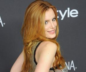 Bella Thorne Ditches Her Underwear In See-Through Gown at Golden Globe…