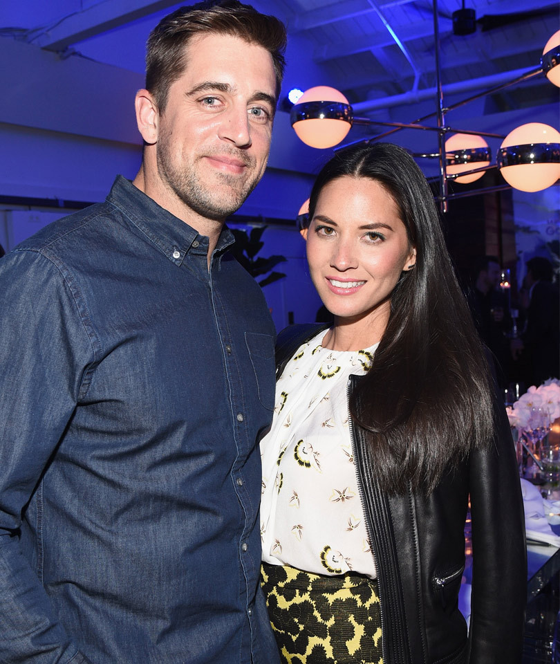 See Hilarious Way Olivia Munn Just Shot Down Those Aaron Rodgers Engagement…
