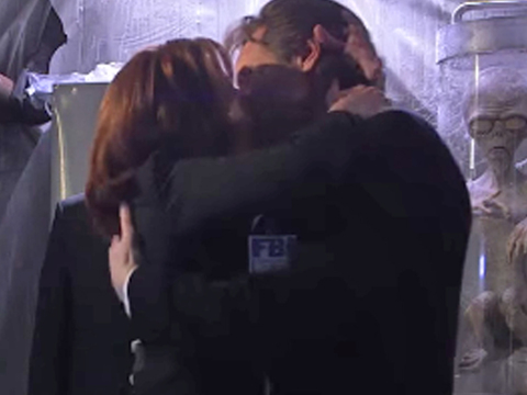 Mulder & Scully FINALLY Have Sex ... as Jimmy Kimmel Watches!