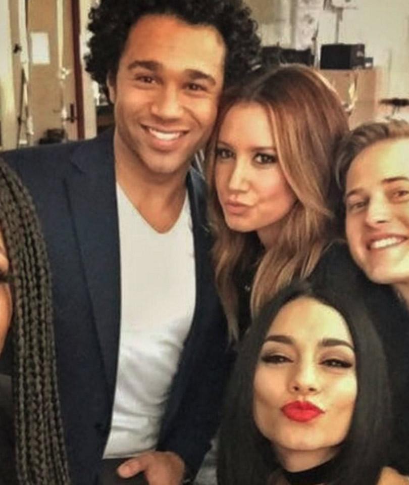 """High School Musical"" Cast Celebrates 10-Year Anniversary -- But, Where's Zac…"