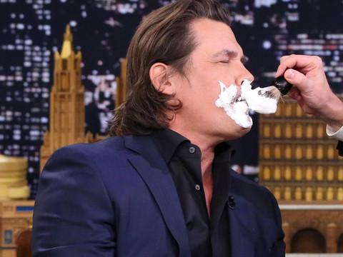 "You've Gotta See Jimmy Fallon Shave Off Josh Brolin's ""1970s Porn"" Stache!"
