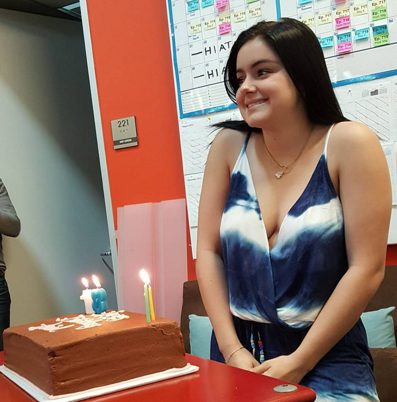 "Ariel Winter Celebrates 18th Birthday With ""Modern Family"" Cast"