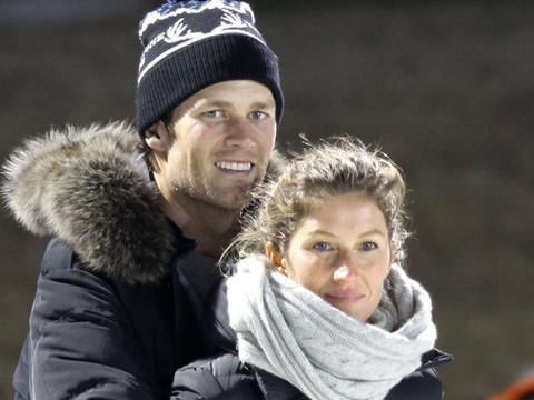 Tom Brady & Gisele Bundchen Show PDA at Son's Hockey Game -- See the Cute Pics!