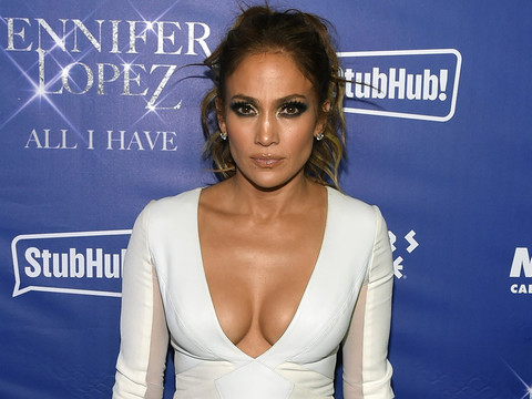 Jennifer Lopez Goes Completely Makeup-Free In Hilarious New Video with Casper Smart