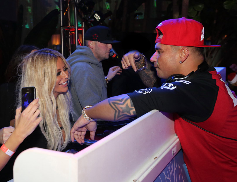 how to tell someone you wanna hook up with them: celebrity dating show pauly d 2016