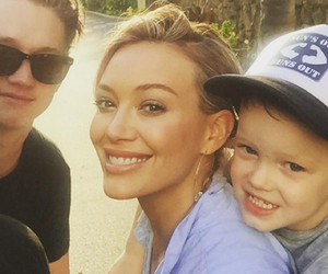 Hilary Duff Shares Cute Selfie with Son Luca & Mike Comrie a Week After…