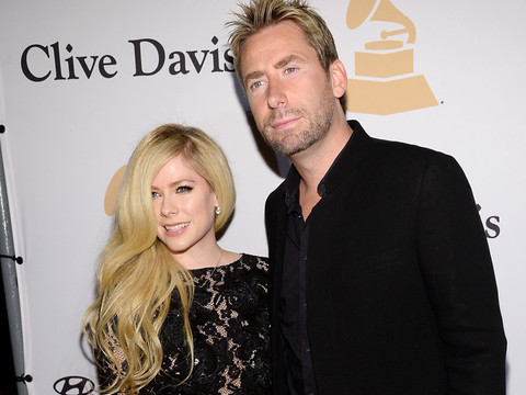 Avril Lavigne & Chad Kroeger Get Cozy at Clive Davis' Pre-Grammy Party – 5 Months…