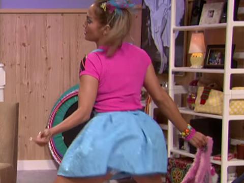 "Jennifer Lopez Shows Off Her Crazy Twerking Skills In Jimmy Fallon's Latest ""Ew!"" Skit"