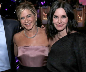 """Friends"" Cast Reunites and Reveals Big Bombshells -- Did They Sign a No Hookup…"