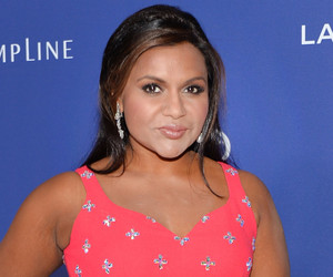Mindy Kaling Proudly Flaunts Her Spanx Before Stunning on the Red Carpet