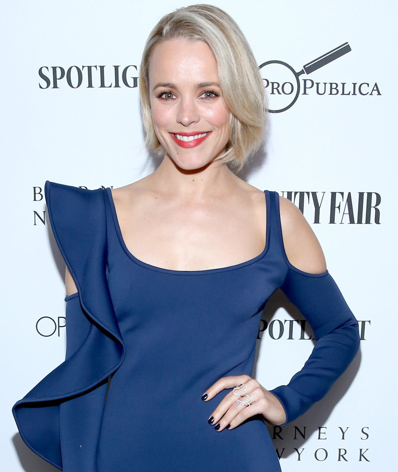"Rachel McAdams Stuns At Vanity Fair's ""Spotlight"" Dinner, Debuts Platinum New…"
