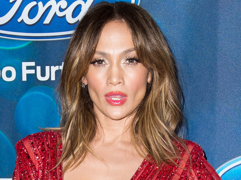 "Jennifer Lopez Is Red Hot at the ""American Idol XV"" Finalist Event"
