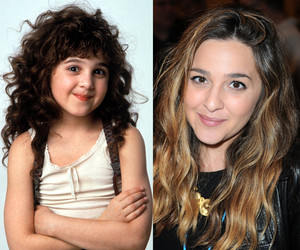 """Curly Sue"" Star Alisan Porter Auditions For ""The Voice"" -- See Her Killer…"