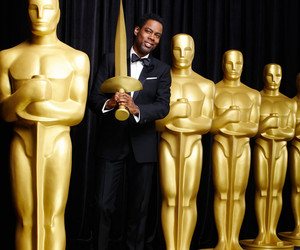 Chris Rock Tackles #OscarsSoWhite During Opening Monlogue, Shades Jada Pinkett…