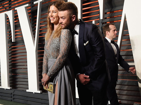 Justin Timberlake & Jessica Biel Pack on the PDA at the Vanity Fair Post-Oscars Party