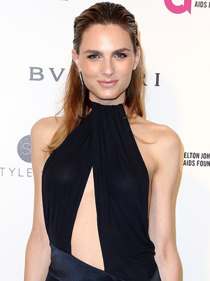 Andreja Pejic & Taylor Swift Rock the Same Plunging Black Dress to Different Oscar After-Parties