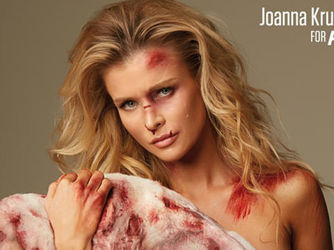 Joanna Krupa Goes Completely Naked For Graphic PETA Ad