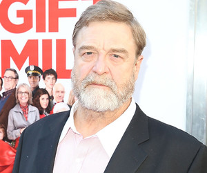 "John Goodman Reveals How Kristen Wiig Blew Him Off at a Party: ""I'll Never…"