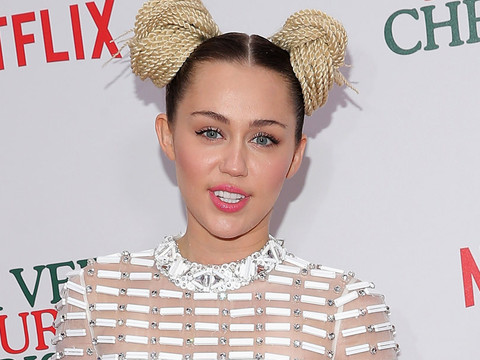 "Miley Cyrus Speaks Out on Kim Kardashian Nude Feud -- ""You All Acting Tacky AF!"""