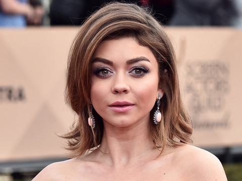 Sarah Hyland Debuts Short Black 'Do -- Like The Look?!