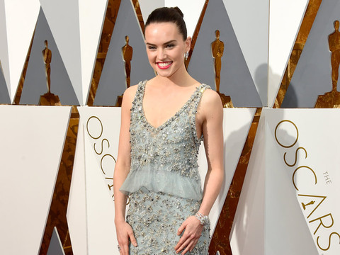 """Daisy Ridley Sounds Off On Skinny Shamers: """"I Will Not Apologize For How I Look"""""""