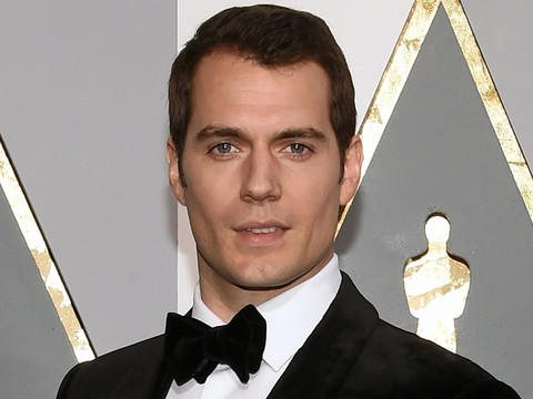 "Henry Cavill Talks ""Fantastic"" Paydays & Flying First Class -- Refreshingly Honest or…"