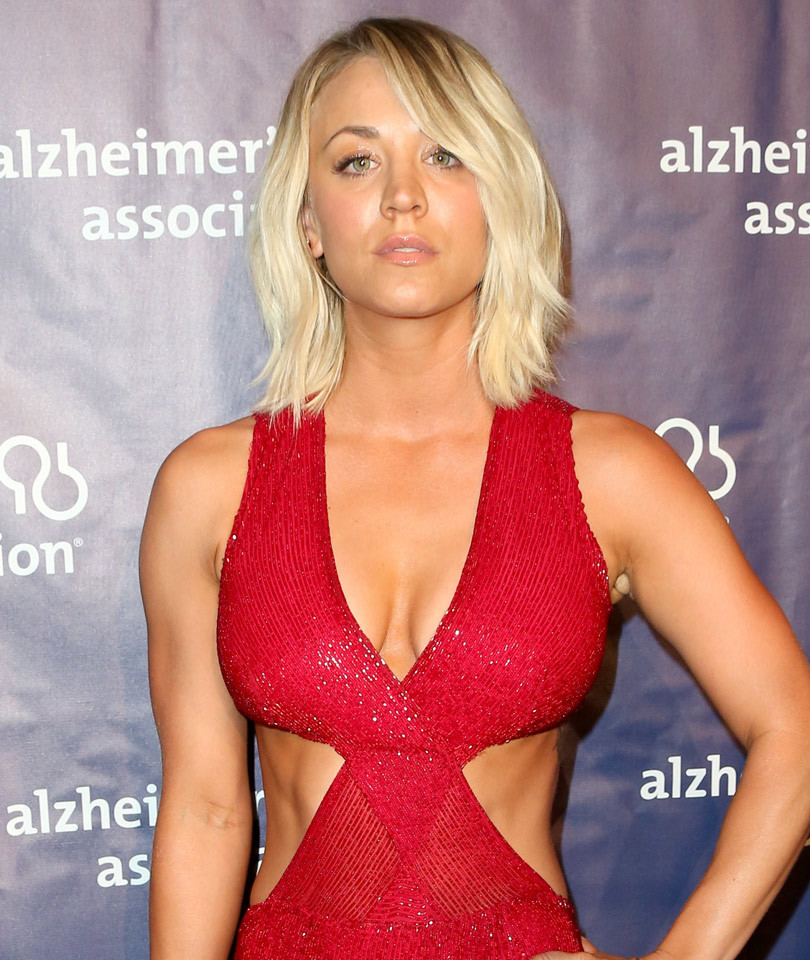 """Hello Body! Kaley Cuoco Looks Red Hot at """"A Night at Sardi's"""" Benefit"""