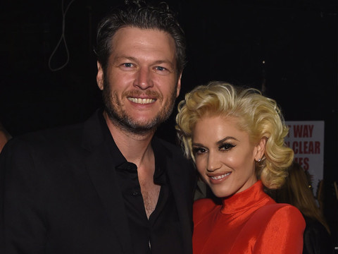 "Gwen Stefani Can't Hide Her Feelings for Blake Shelton on ""The Voice"""