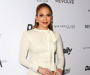 "Jennifer Lopez Reveals How She Creates ""Healthy Environment"" Juggling Twins…"